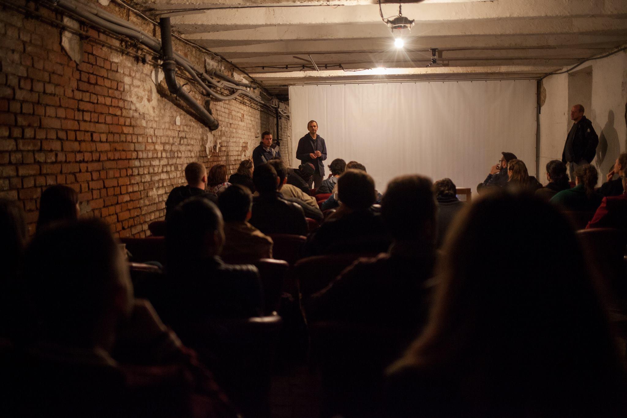 """Proiecția documentarului """"Fenomenul Piața Matache"""" la Cluj. Sursă foto: In/Out Transylvania Photo Festival"""