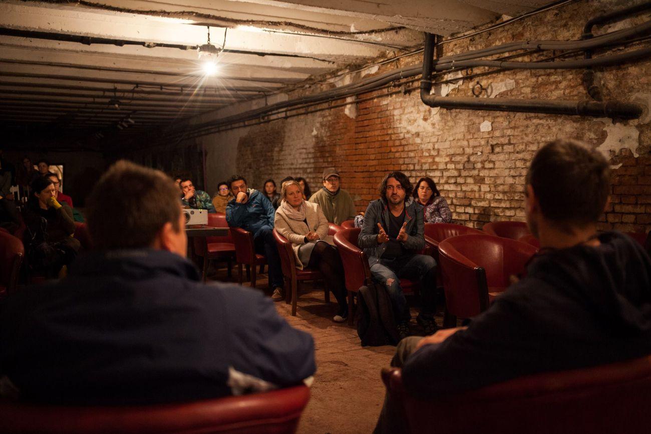 Dezbatere pe marginea documentarului. Sursă foto: In/Out Transylvania Photo Festival
