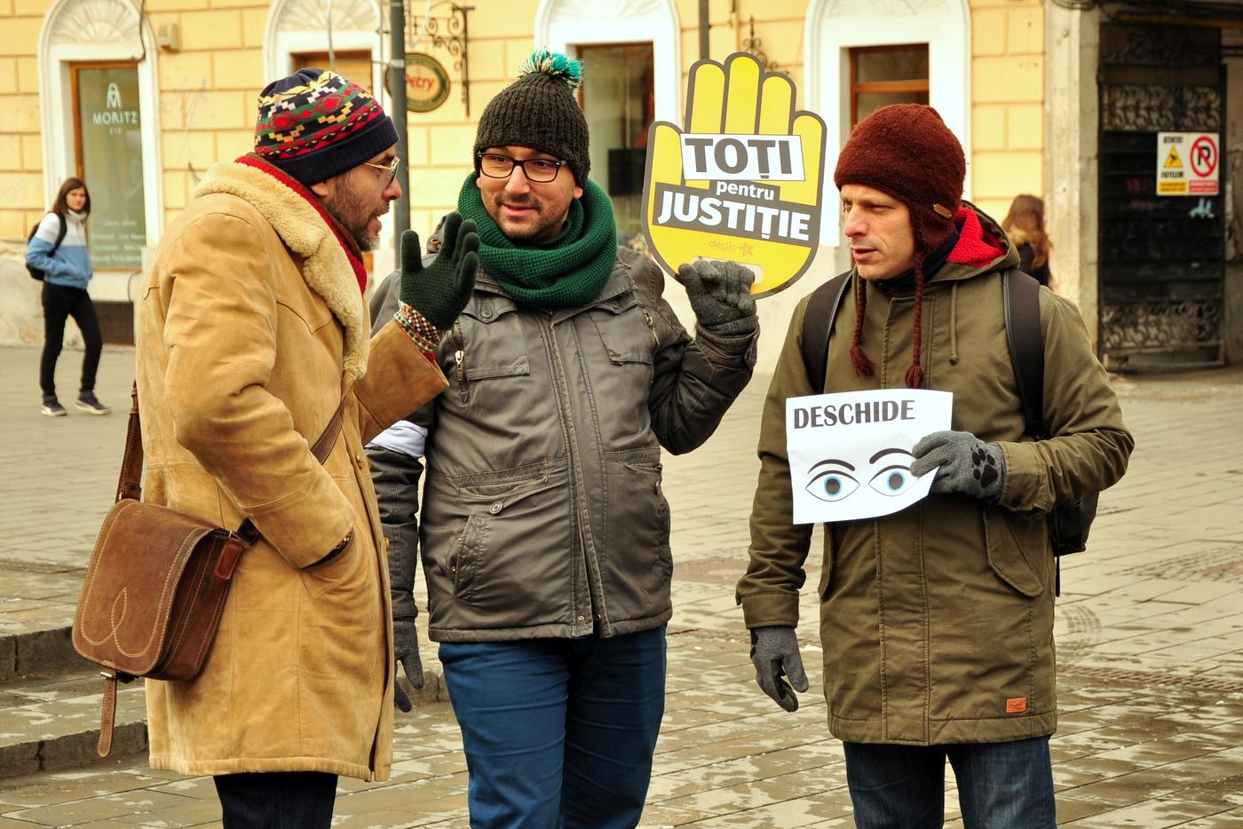 La un protest 'Vă Vedem' nu se striga, dar se dezbate.